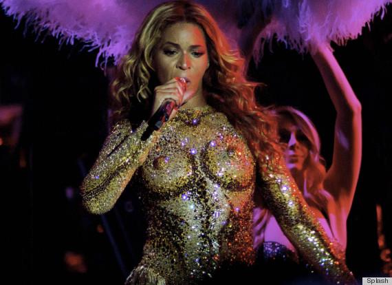 Beyoncé's Mrs. Carter Show World Tour ~ FeaturingNipples