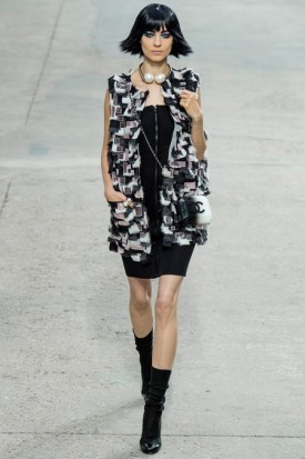 Art and Stroll: CHANEL Spring-Summer 2014 Ready-to-Wear(Video)