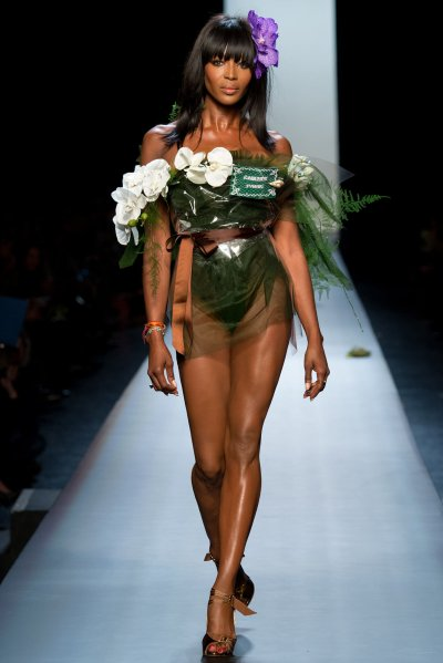 Gaultier-Naomi-campbell-haute-couture-2015