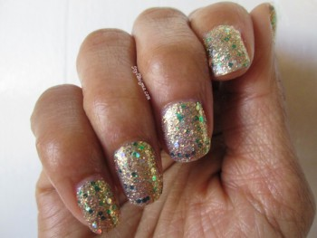 Countdown to St. Patrick's Day With Incoco Nail Polish Appliqué: Part 2 – Pot OfGold