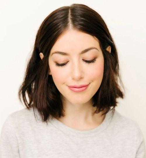 2-shoulder-length-haircut-with-natural-waves